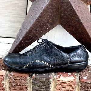 Clarks Black Leather Lace Up Walking Shoes W-8
